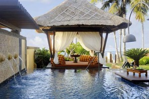 Swimming_Pool_Tropical
